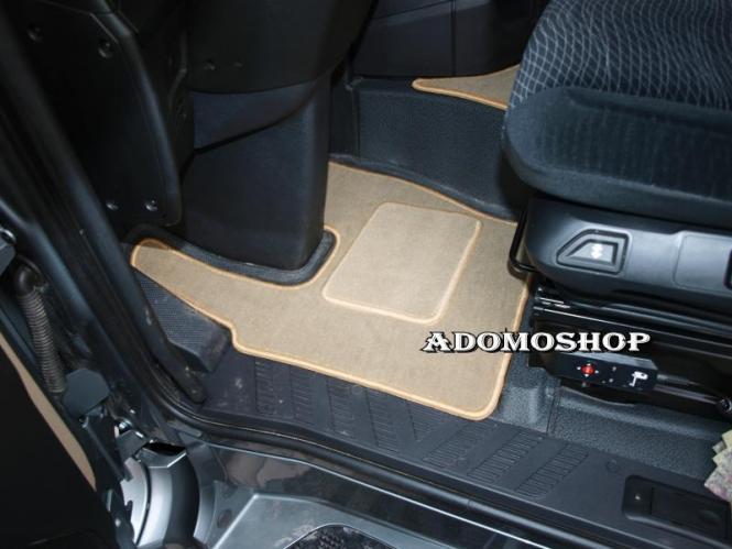 Adomo LKWShop  Fussmatten für Actros MP4, Velour Teppich